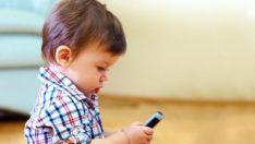 Çocukları Cep Telefonunuzla Oynatmayın