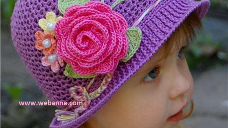 Çiçek Motifli Mor Şapka